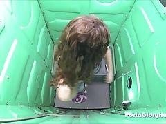 Porta Gloryhole Teen swallows...